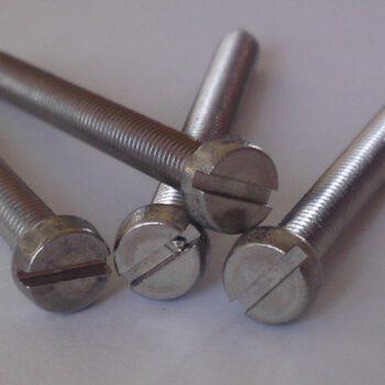 Metaalschroef cilinderkop